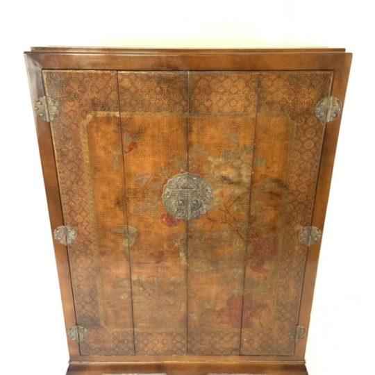 Винтажный расписной шкаф в стиле Шинуазри
